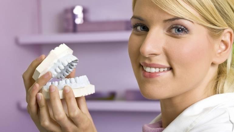 Protesi dentarie a Roma: cosa sono e dove farle